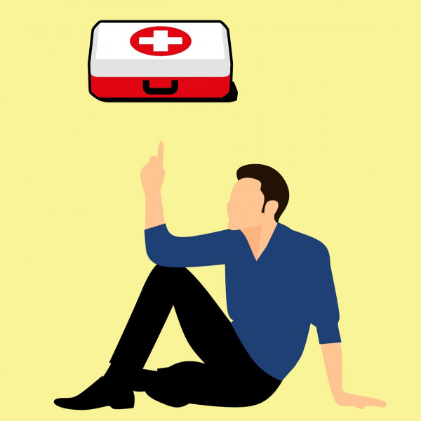first-aid-kit-with-3293509_1280