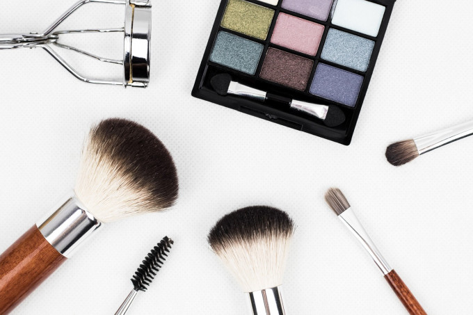 makeup-brush-1761648_1280